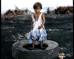 child on Tire